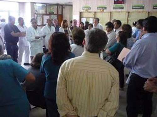 Asamblea en el Hall de Hospital Pablo Soria