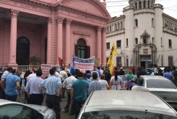 Corrientes: Marchando una vez mas por un sueldo digno