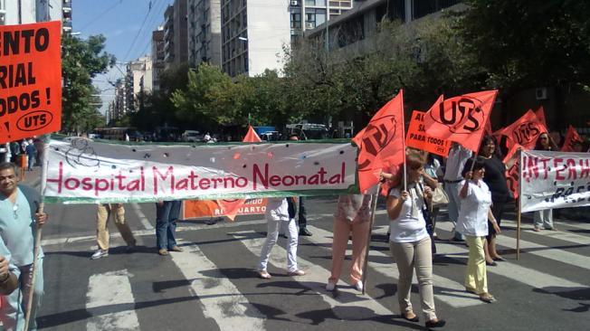 Protesta de trabajadores de la Salud en el centro de Córdoba