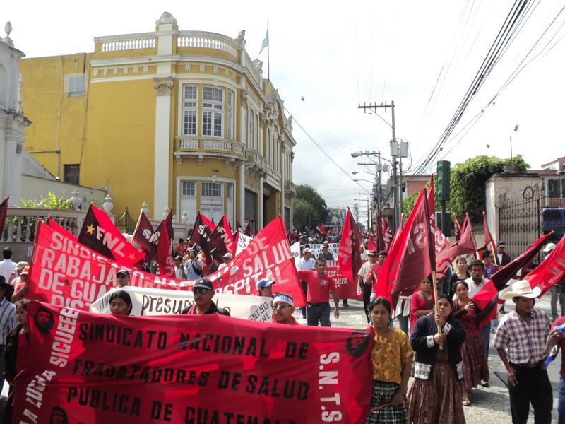 Las voces de los vivos y los muertos lloran por justicia en Guatemala