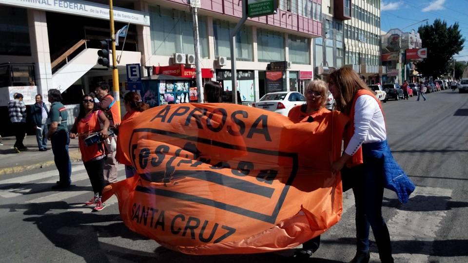 APROSA SANTA CRUZ: PARO Y MOVILIZACION EN RIO GALLEGOS