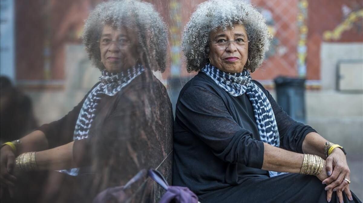 Mujeres, raza, clase de Angela Davis