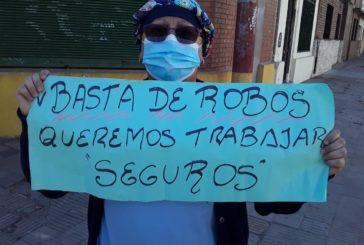 Córdoba: Trabajadores de la Maternidad Provincial protestan ante la falta de seguridad.